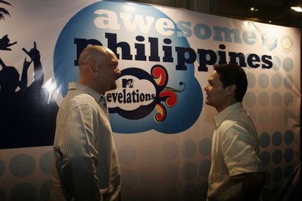 Chris Pattinson of MTV Asia and DOT Secretary Ace Durano