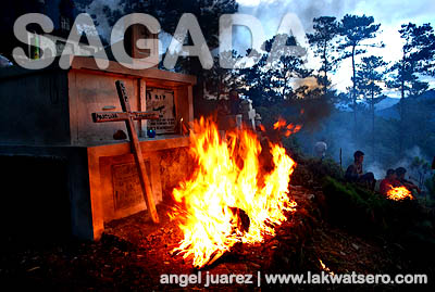 Instead of the usual candles, locals of Sagada use woods of old pine trees to create bonfires on the graves of their departed.